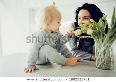 romántica · joven · ramo · frescos · tulipanes · jóvenes - foto stock © dolgachov