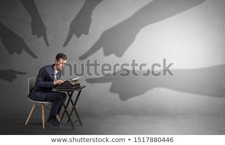 Sombra mãos indicação pequeno trabalhador mão Foto stock © ra2studio