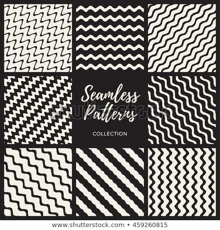 Vecteur blanc noir dessinés à la main diagonal ondulés Photo stock © samolevsky