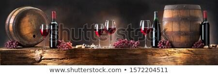 Copos de vinho barril vinícola vinho Foto stock © elenaphoto