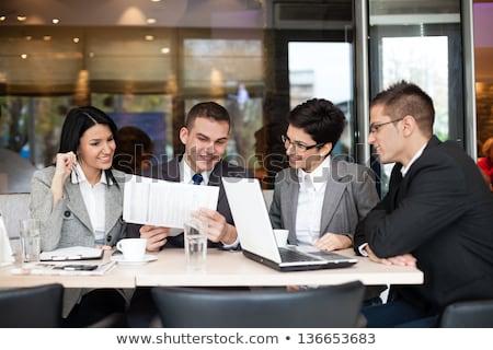 quatre · personnes · réunion · table · illustration · affaires · internet - photo stock © bluering