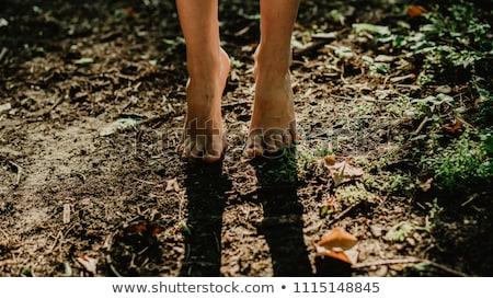 Mezítláb üzletasszonyok fű üzlet nő pár Stock fotó © IS2