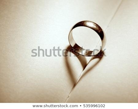 Coeur ombre alliances or diamant Photo stock © fama