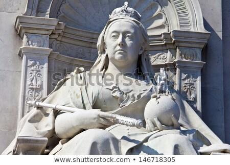 rainha · Londres · ouro · topo · céu · cidade - foto stock © lorenzodelacosta