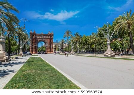 Triunfo arco Barcelona céu árvore edifício Foto stock © Nejron