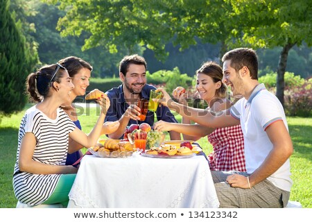 Menschen Essen Park Tageszeit Illustration Kinder Stock foto © bluering