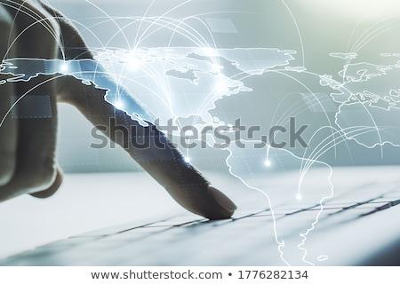 strony · wpisując · Chmura · technologii · biznesmen · biuro - zdjęcia stock © ra2studio
