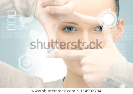 mujer · marco · dedos · de · trabajo · virtual · Screen - foto stock © dolgachov