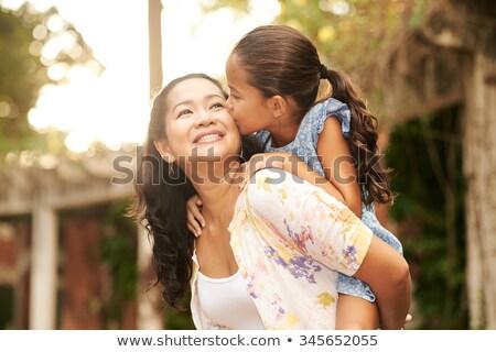 幸せ 母親 女の子 ピギーバック 女性 家族 ストックフォト © wavebreak_media