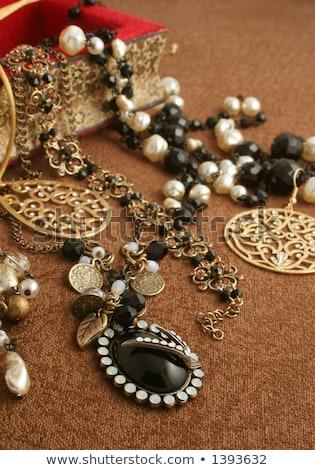 gyöngyök · ékszerek · doboz · közelkép · kép · sekély - stock fotó © Farina6000