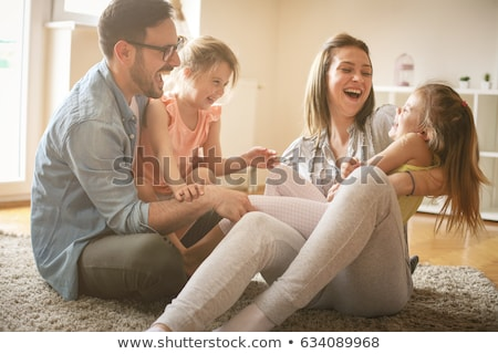 Familie saamhorigheid moeder vader weinig kind Stockfoto © Anna_Om