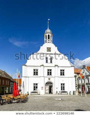 有名な · 歴史的 · 町役場 · 青空 · 壁 - ストックフォト © meinzahn