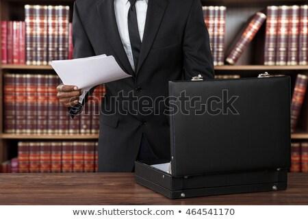 Advocaat papieren aktetas mannelijke kantoor Stockfoto © AndreyPopov