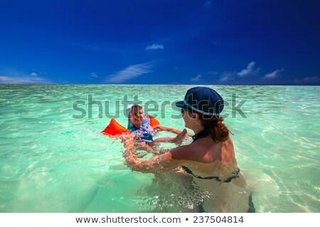 Twee jongens zwemmen zee tropische strand Stockfoto © galitskaya