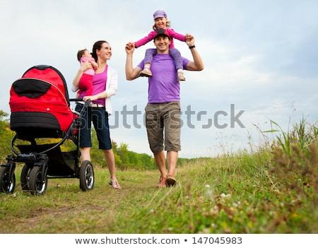 Feminino amigos caminhada verão parque mulheres Foto stock © robuart