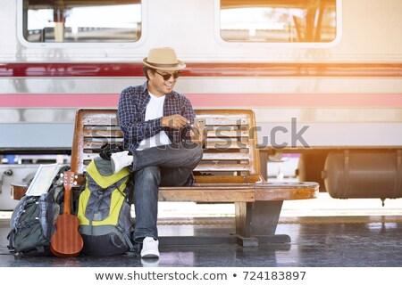 Indian man rugzak kaart stad Stockfoto © dolgachov