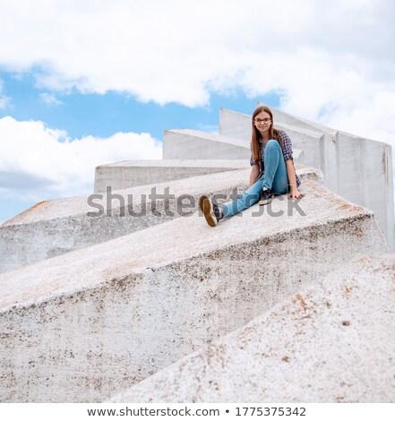energikus · tinédzser · csinos · klubber · tánc · barátok - stock fotó © pressmaster