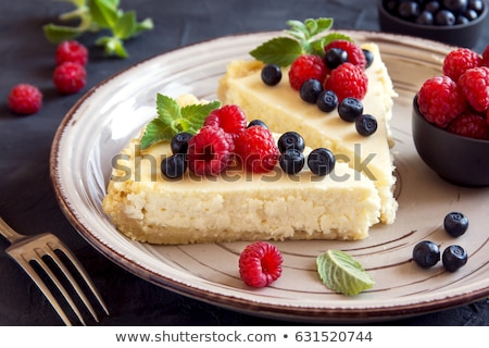 Cheesecake çilek nane krem beyaz Stok fotoğraf © doupix