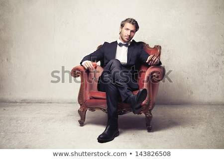 Młody człowiek szkła wina lustra kabaret twarz Zdjęcia stock © ssuaphoto