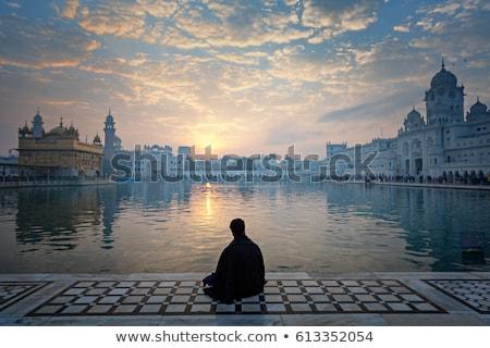 Guerreiro meditando sikh templo vintage retro Foto stock © dmitry_rukhlenko