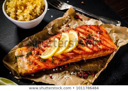 łososia · grillowany · cytryny · soku · chleba - zdjęcia stock © zhekos