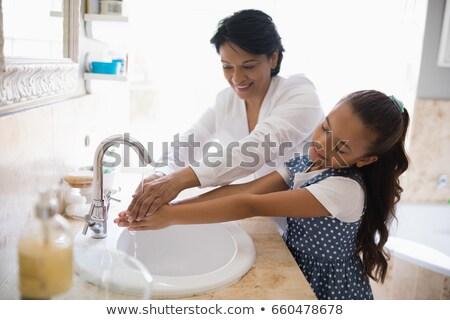Grootmoeder kleindochter wassen handen badkamer wastafel Stockfoto © wavebreak_media