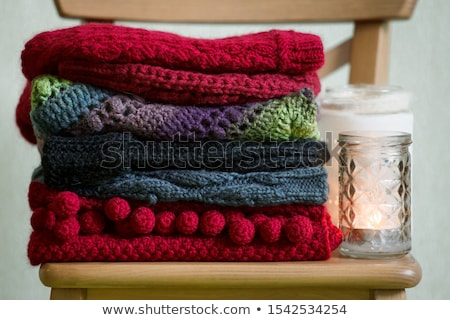 Confortável tricotado quente mesa de madeira Foto stock © Illia