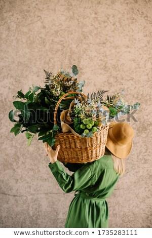 Mãos manter bom buquê fresco perfumado Foto stock © artjazz