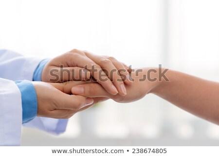 orvos · kezek · orvosi · nő · ír · vágólap - stock fotó © Kurhan