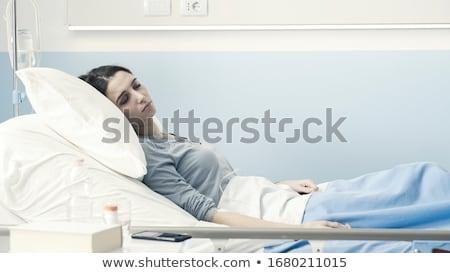 paciente · máscara · de · oxigeno · caucásico · mujer · procedimiento · médico - foto stock © rastudio