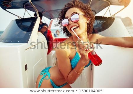 Vrouw drinken soda afbeelding mooie vrouw Stockfoto © deandrobot