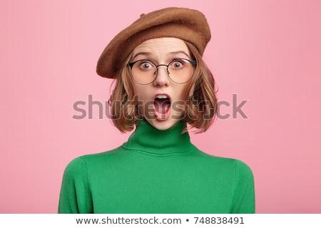 Retrato surpreendido mulher jovem boina em pé Foto stock © deandrobot