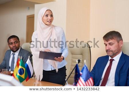 Genç Müslüman kadın başörtüsü rapor Stok fotoğraf © pressmaster