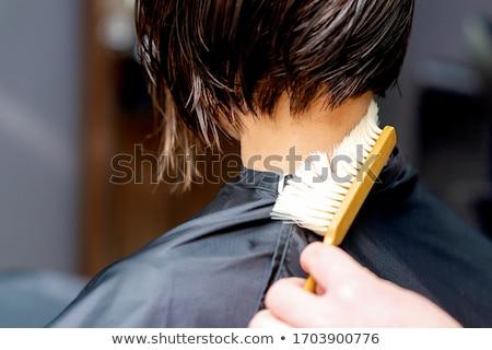 Mannelijke cliënt barbier schoonmaken haren nek Stockfoto © dolgachov