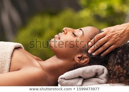Masseuse femme Retour massage traitement chaleur Photo stock © gemphoto
