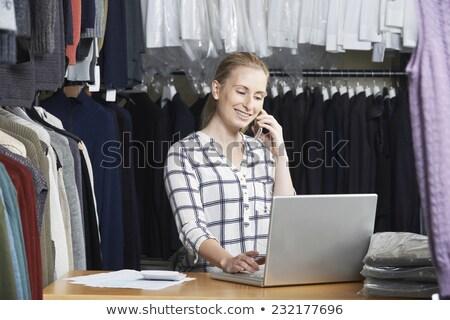 女性 · ファッション · デザイナー · ノートパソコン · 携帯電話 · 肖像 - ストックフォト © highwaystarz