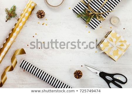 Sapin pin cône matériaux table en bois Photo stock © wavebreak_media