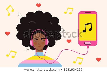 音楽を聴く · スマートフォン · 夏 · ファッション · レジャー - ストックフォト © dolgachov