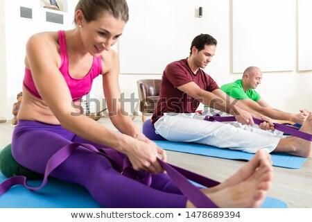 Pessoas pé banda pessoas do grupo ioga classe Foto stock © Kzenon