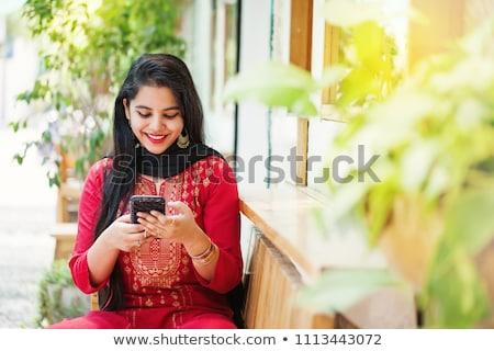 インド · 少女 · 携帯 · スマートフォン · 現代 · 触れる - ストックフォト © ziprashantzi