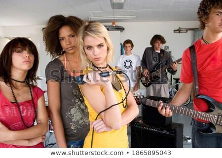 Primer plano tiro cantante micrófono sexy Foto stock © photography33
