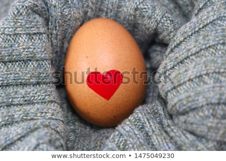 Foto stock: Love Hearts And Egg Shell