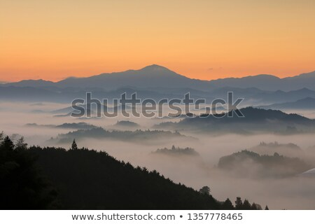 Une minute sunrise montagnes paysage gamme Photo stock © Taiga