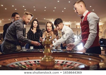Foto stock: Mulher · cassino · cartas · de · jogar · tabela · verde · preto