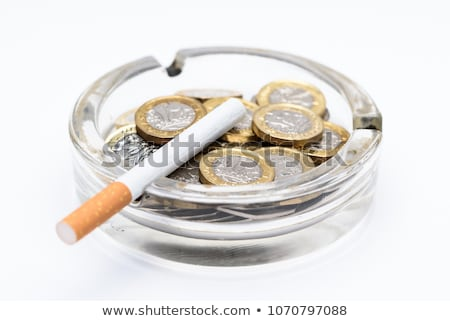 Költség dohányzás cigaretta dohány termék alakú Stock fotó © Lightsource