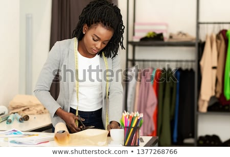 mulher · jovem · estilista · trabalhando · moda · medir - foto stock © Freedomz