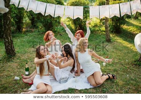 meisjes · vieren · partij · bruid · glimlach · bruiloft - stockfoto © ruslanshramko