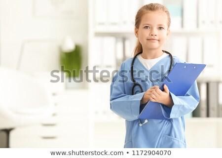 bonitinho · little · girl · médico · estetoscópio · branco · feliz - foto stock © lunamarina