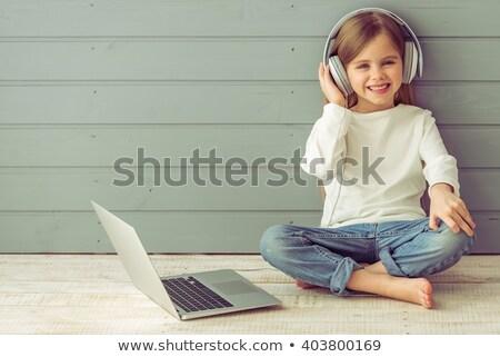かなり ブロンド カメラ ノートパソコン 座って ストックフォト © wavebreak_media