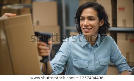 Munkás szkenner raktár közelkép középső rész férfi Stock fotó © wavebreak_media